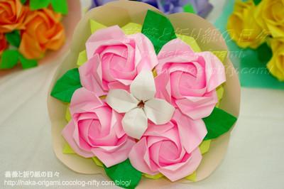 初代川崎ローズ「ひらいたバラ」の花束アレンジ