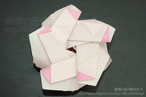 5角形折りでの立体中割り折り