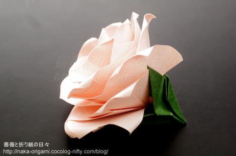 薔薇(U4-4a)創作:中 一隆