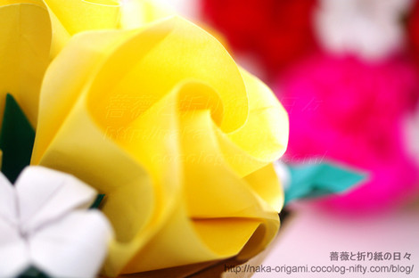 バラ(C1)のテーブル花 創作:中 一隆