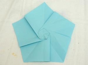 5角形のねじり折り