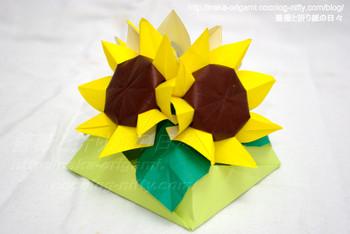 ニルバ氏の「ひまわり」のテーブル花