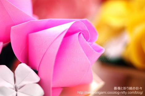 バラ(U10-4)のテーブル花 創作:中 一隆