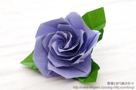 薔薇(U5-5)のコサージュ(講習作品から)